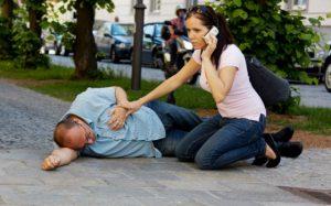 Оказание первой помощи при инсульте снижает тяжесть осложнений