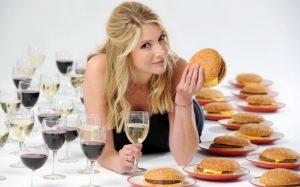 Почему не стоит пить алкоголь, если вы на диете