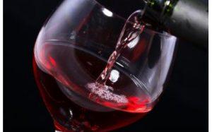 Медики объяснили, в чем польза красного вина для диабетиков
