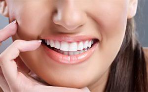Как отбелить зубы дома, уход за губами