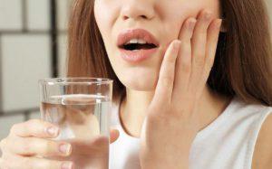 Болят десны — что делать в домашних условиях? Причины и лечение воспаления десен