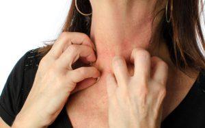 Кожный зуд: от возраста или от нервов?