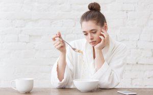 Нарушения пищевого поведения: когда еда не в радость