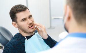 Зуд в деснах: причины, когда нужно к стоматологу?