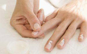 Как провести лечение грибка на руках в домашних условиях?