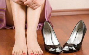 Потливость ног – причины и лечение