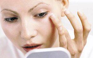 Аллергия на косметику: почему возникает и что делать?