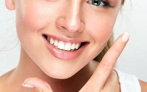 Серная пробка в ухе: почему возникает и чем опасна?