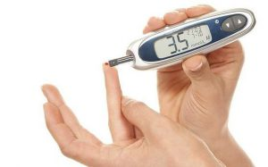 Жесткое управление уровнем сахара в крови помогает бороться с диабетическим поражением глаз