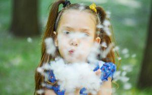 Аллергия на тополиный пух: профилактика, симптомы и лечение