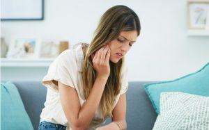 Повод для тревоги: что делать, если зуб растет в щеку